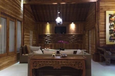 Joglo #5 Tradisional Room - Rumah