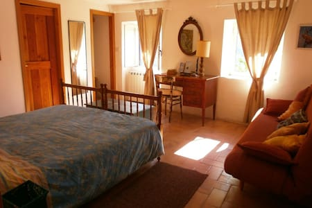 Casale grande nel bosco con piscina - Belmonte In Sabina - Huoneisto