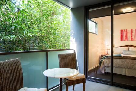 Stunning 2 bdrm apartment St Kilda