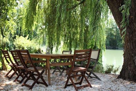 No 63 - Saint Savinien sur Charente