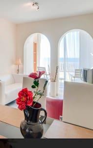 BEACHFRONT  VISTA NEAR CLUB COSTA - Mijas - Apartamento