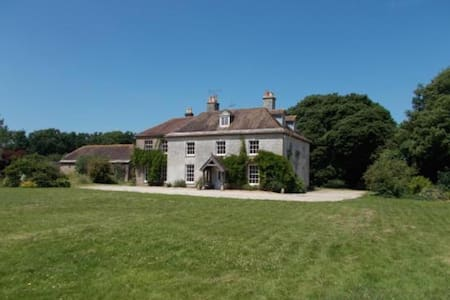 Manor House Moreton - Bed & Breakfast