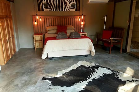 Luxurious and tranquil Zebra Suite - Flat
