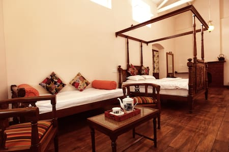 The Grange Hotel - Ooty - Bed & Breakfast