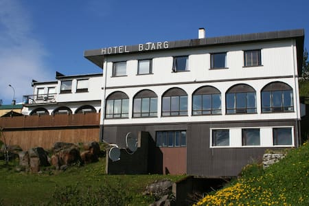 Hotel Bjarg - Bed & Breakfast