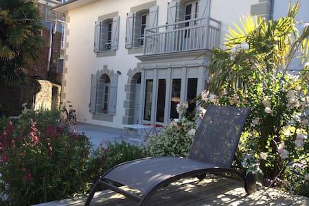 Villa La Dorbelais - Bed & Breakfast