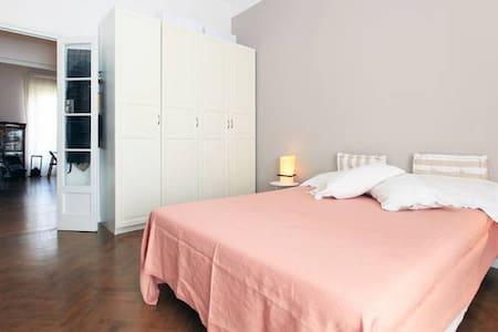 Charme room in center, Tortona area
