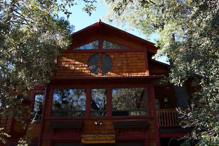 ChautauquaWest-Magical Retreat for Artists @ Heart - Idyllwild-Pine Cove - 小木屋