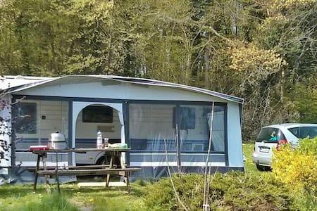 Caravan / Wohnwagen mit Vorzelt - Ascheberg