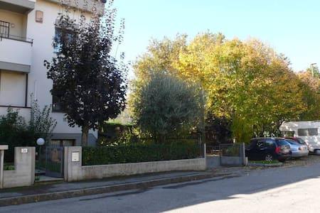 Alloggio comodo per Montecatone e Imola - Imola - Flat
