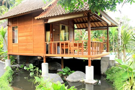 Tepi Sungai - Wooden Room