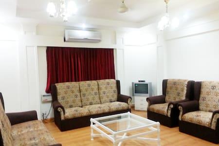 Comfy stay in Nungambakkam, Chennai - Flat
