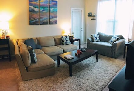 Cozy 1 BR In North Raleigh Luxury Apartment - Raleigh - Flat