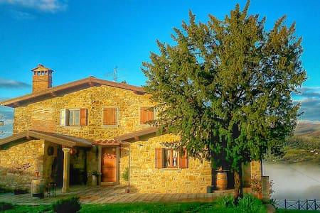 original tuscan - Rumah