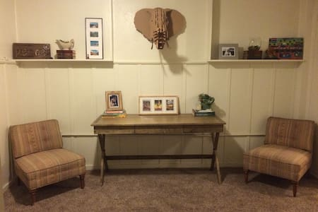 Charming 1BD carriage house DT Napa