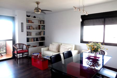 Room with a view in Estepona town. - Estepona - Apartment