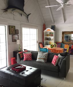 Bright & Cheerful Near Blue Ridge - Morganton