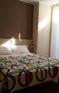 Acollidor apartament - Figueres - Apartament