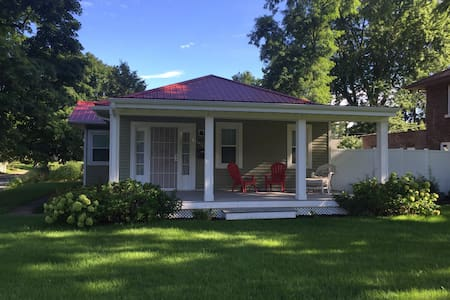 The best bungalow in South Bend. - Саут-Бенд - Дом