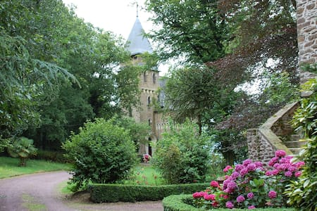 Enchanting&Romantic-Chateau Le Mur - Castello