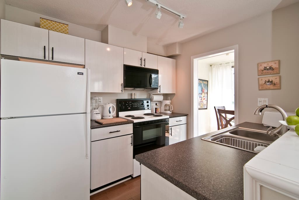 Fully  Equipped Kitchen with 4 appliances