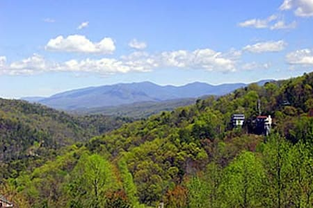 A VIEW TO REMEMBER - Gatlinburg - Maison