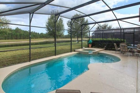 Charming Water View Vacation villa - Clermont
