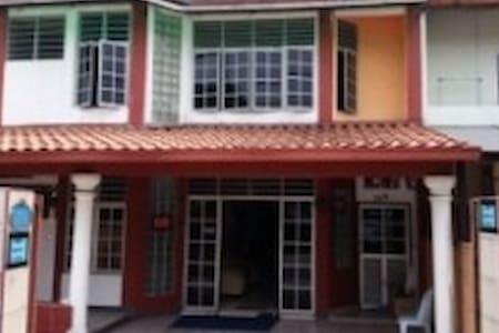Alex Guesthouse Kuala Lumpur - Kuala Lumpur