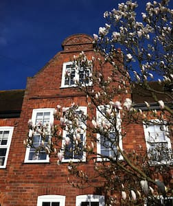 Unique stay in Woodhall Spa - Gable House - Woodhall Spa - Casa