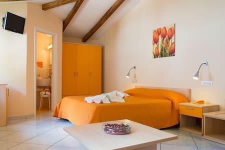 Minihotel IRIS - Superior Room - Maiori - Bed & Breakfast