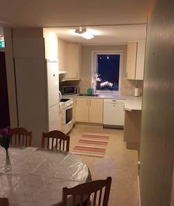 Fullutrustad lägenhet, 2,5:a i villa. - Söderhamn S