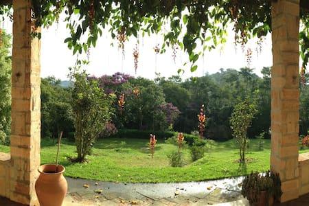 Sitio - Piscina, sauna, paz e relax - Guararema