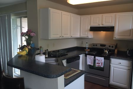 2 BR, 2 BA Apartment near Boulder! - Daire