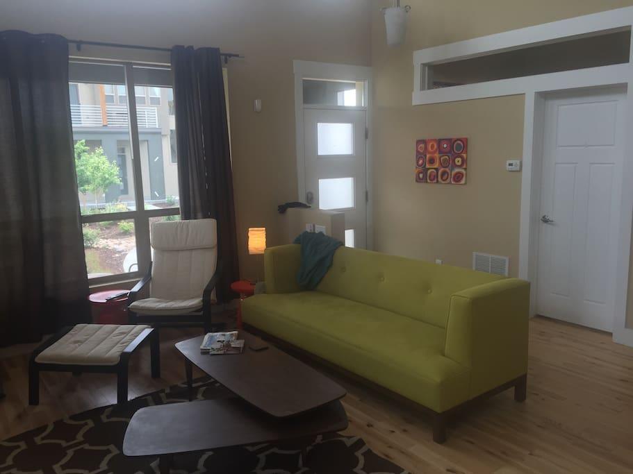 Modern Comfort (DIA & Downtown)