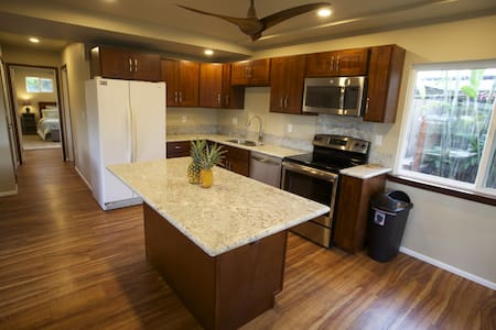 Brand new just steps from the beach - Appartamento