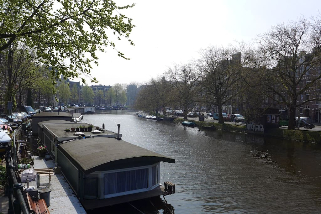 Singelgracht, the most outward of the canals
