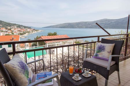 House for rent near Trogir - Poljica - Haus