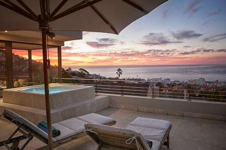 Perfectly Positioned In Cape Town - Kapstaden