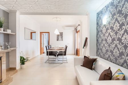 Family holiday house with parking - Huis