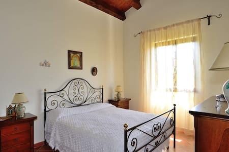 Agriturismo vicino Palermo Paradiso - Palazzo Adriano - Villa