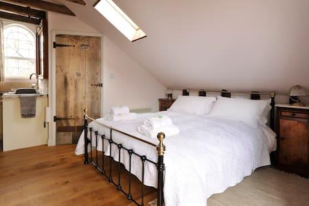 The Carter's Loft - Apartment