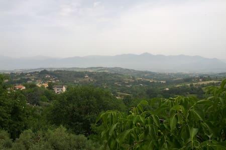 Tra il monte Matese e Napoli - House