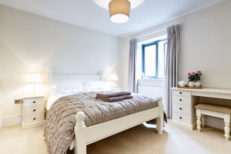 Double room,immaculate new home