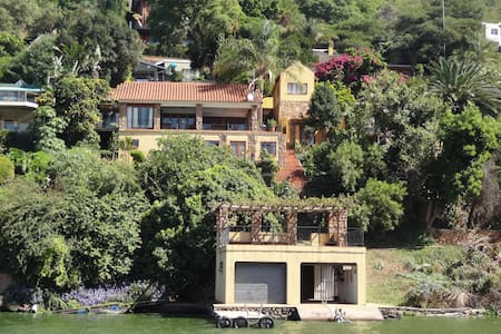 Nuschka's Place on the waterfront - Hartbeespoort - House