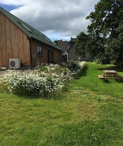 Mains o'Noth Lodge - Skye - House