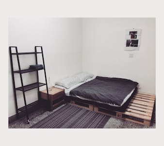 2F Double-bed roomB + shared studio