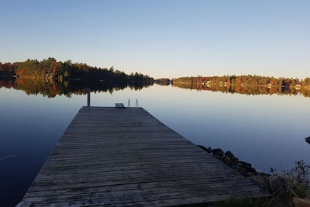 4 Season Muskoka getaway on Six Mile Lake. - Port Severn - Hytte