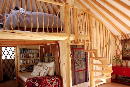 Experience living off the grid in a luxurious yurt - Casa