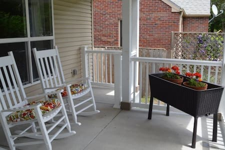 Handicapped Accessible 3BR house near Downtown - Lincoln - Maison