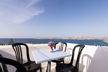 Traditional Apartment with Sea View - Paros